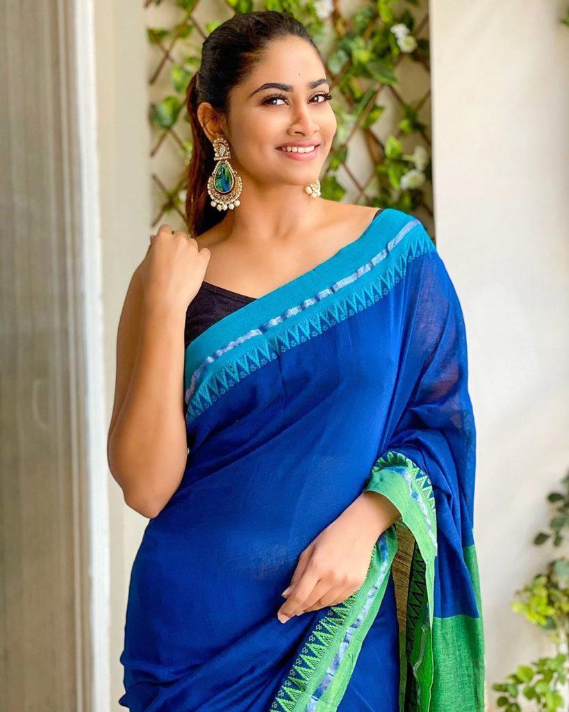 Homely Shivani Narayanan