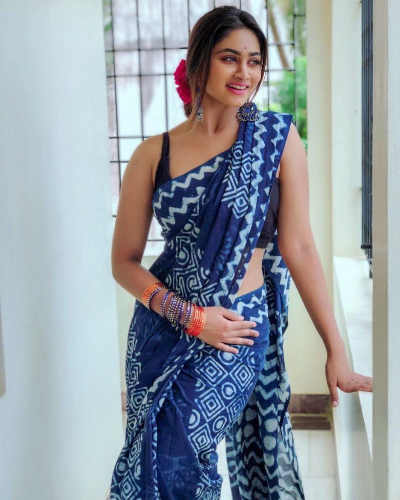 Shivani Narayanan Hip