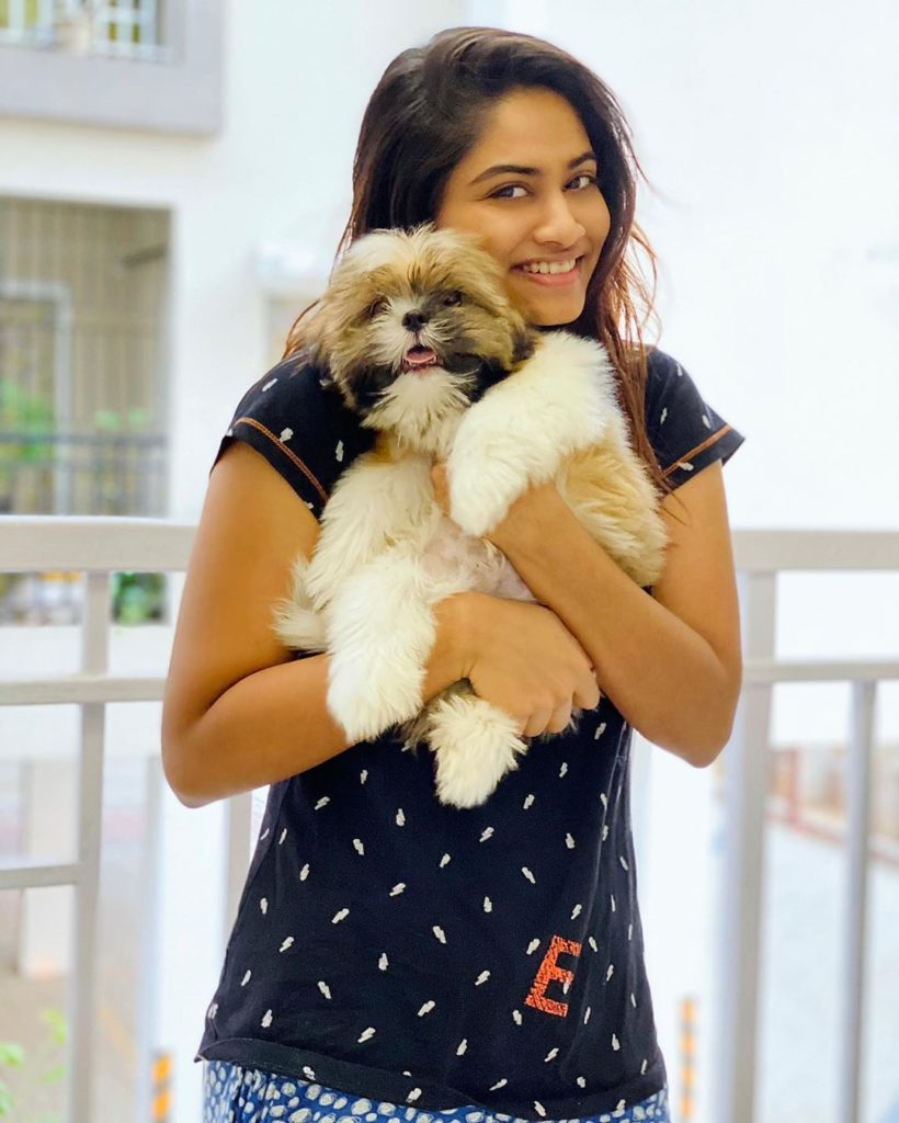 Shivani Narayanan with dog