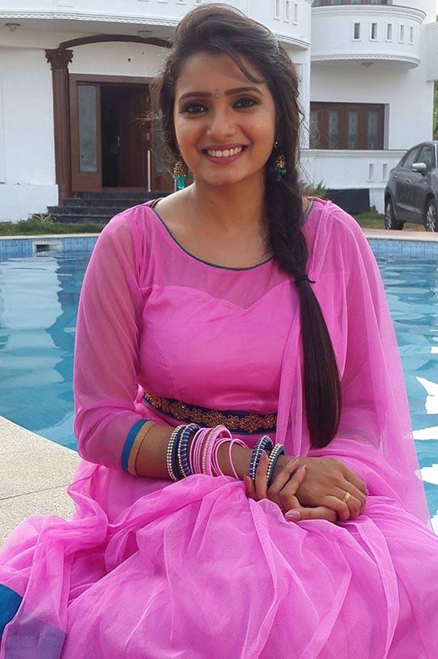 Actress Srithika Sri