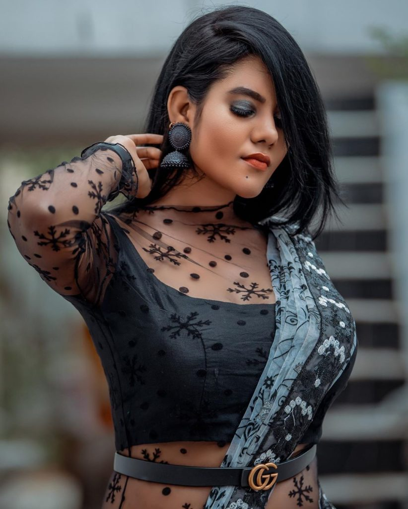 Nivisha Hot