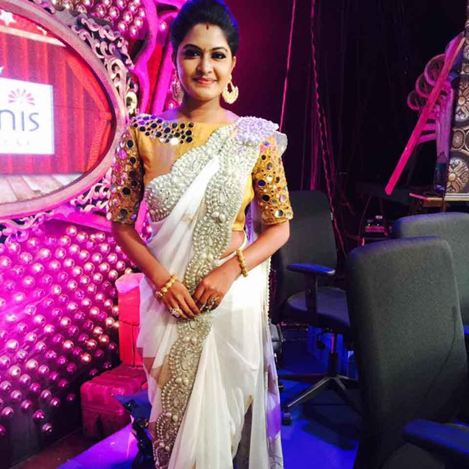 Rachitha Dinesh as Judge