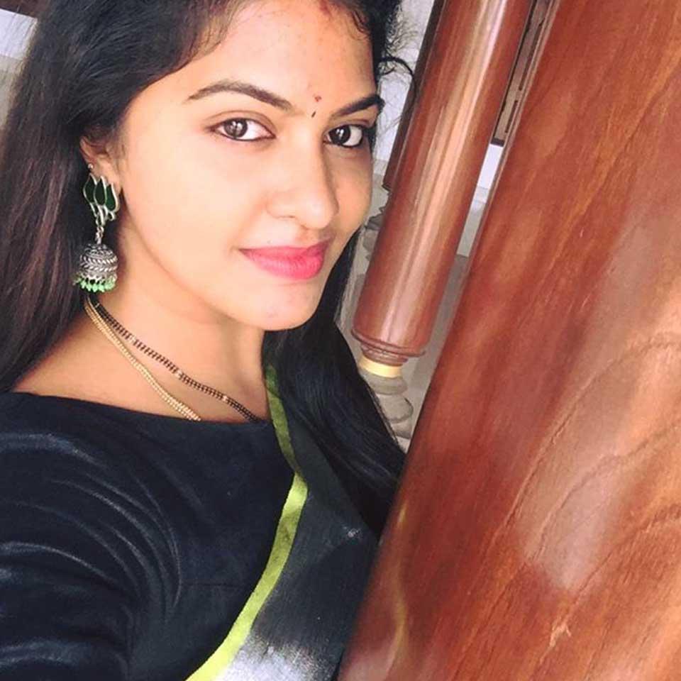 Rachitha Mahalakshmi selfie