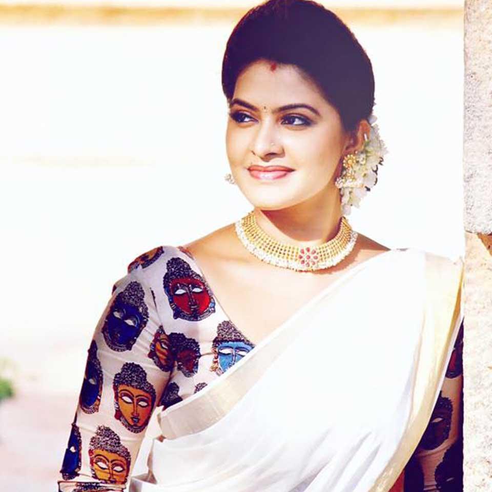 Rachitha Mahalaksmi in white saree