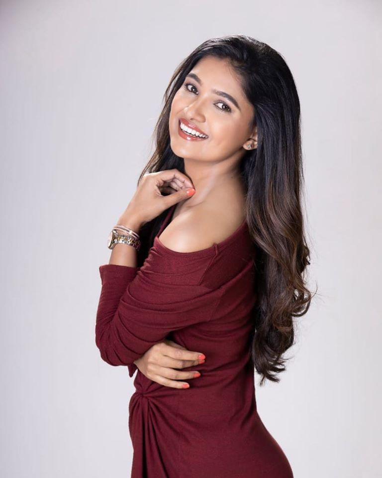 Stunning Vani Bhojan