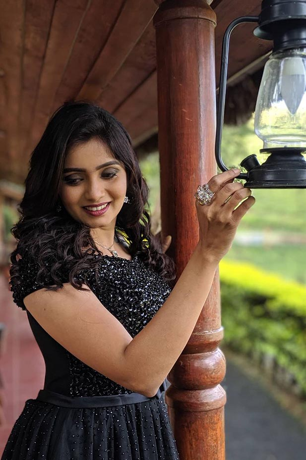 Tamil serial actress srithika
