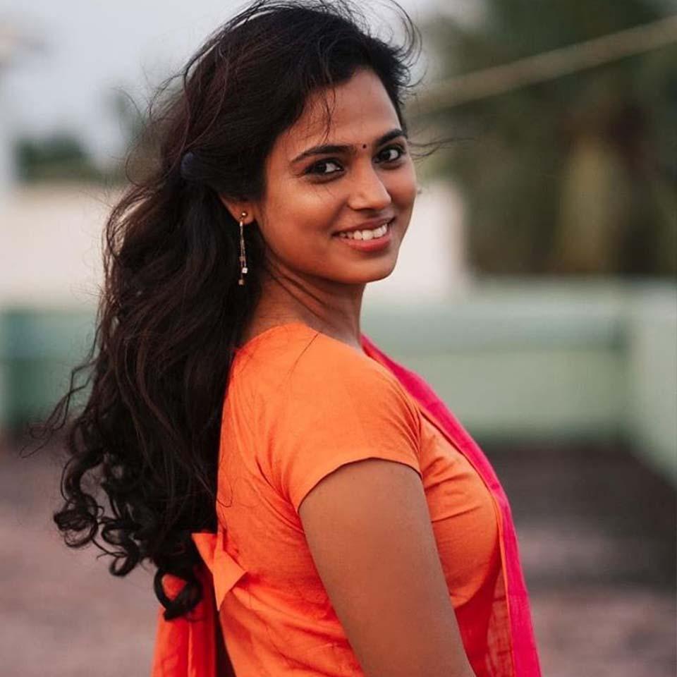 Ramya Pandian smile