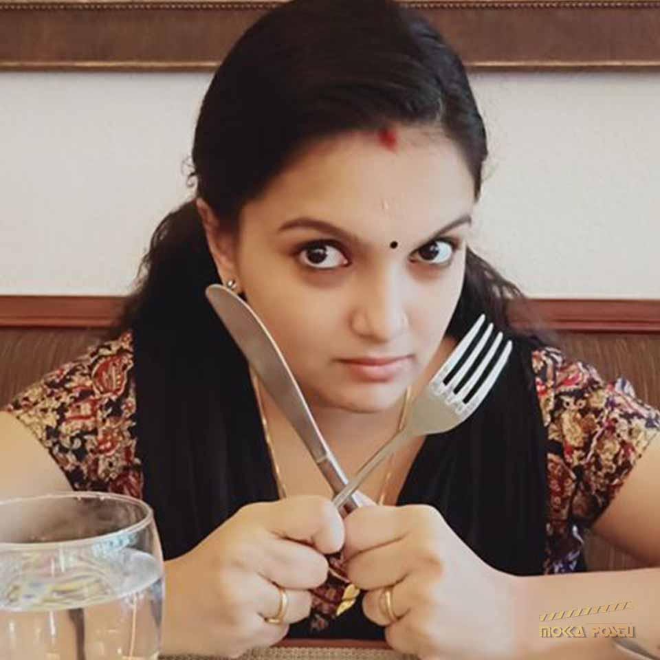 Saranya Mohan cute expression