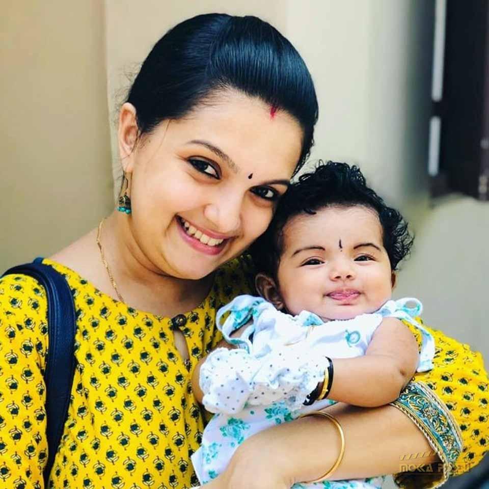 Saranya Mohan with her daughter