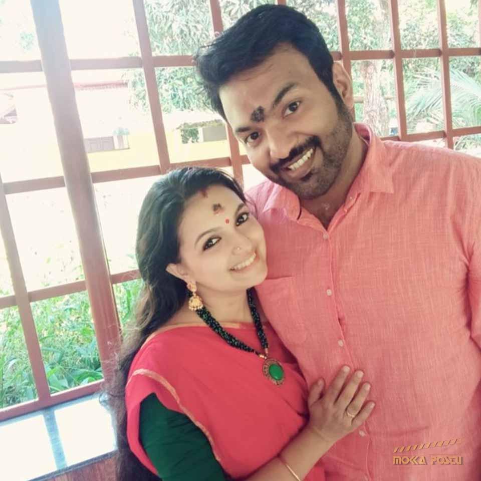 Saranya Mohan with her husband