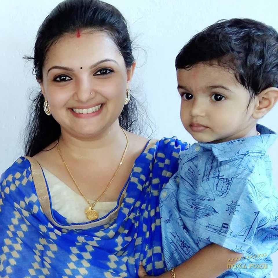 Saranya Mohan with his son
