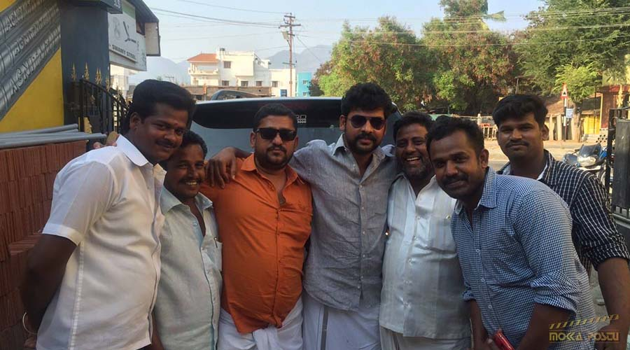 Vimal with his fans