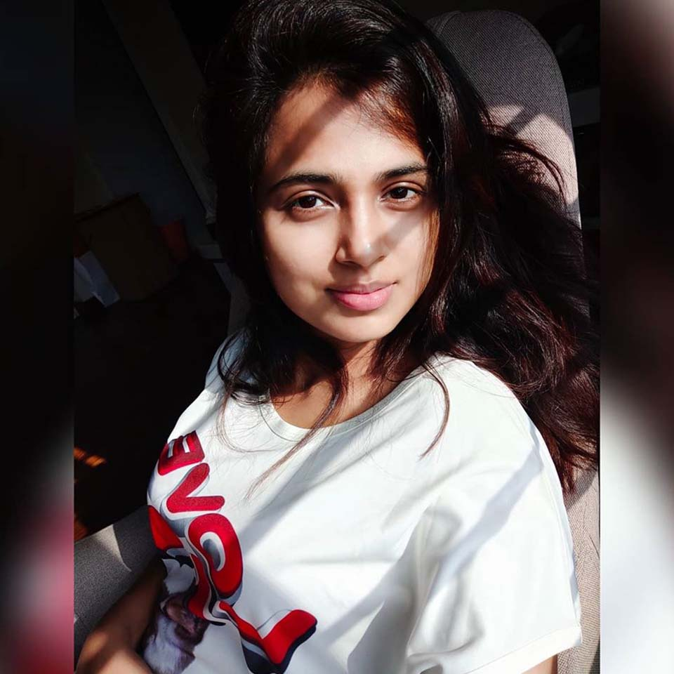 ramya Pandian Selfie